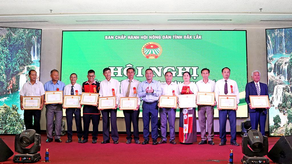 Hội nghị điển hình tiên tiến Hội Nông dân tỉnh lần thứ IV