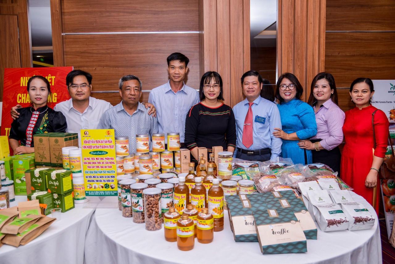 Trưng bày sản phẩm nông nghiệp tại Festival sản phẩm vật tư, nông nghiệp năm 2020 tại tỉnh Đắk Lắk