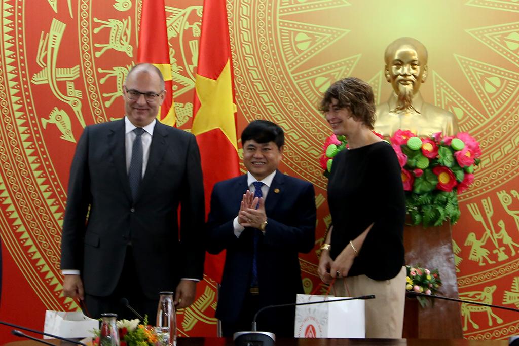 Đại sứ Hà Lan và Đại sứ Đan Mạch tại Việt Nam chào xã giao lãnh đạo tỉnh Đắk Lắk