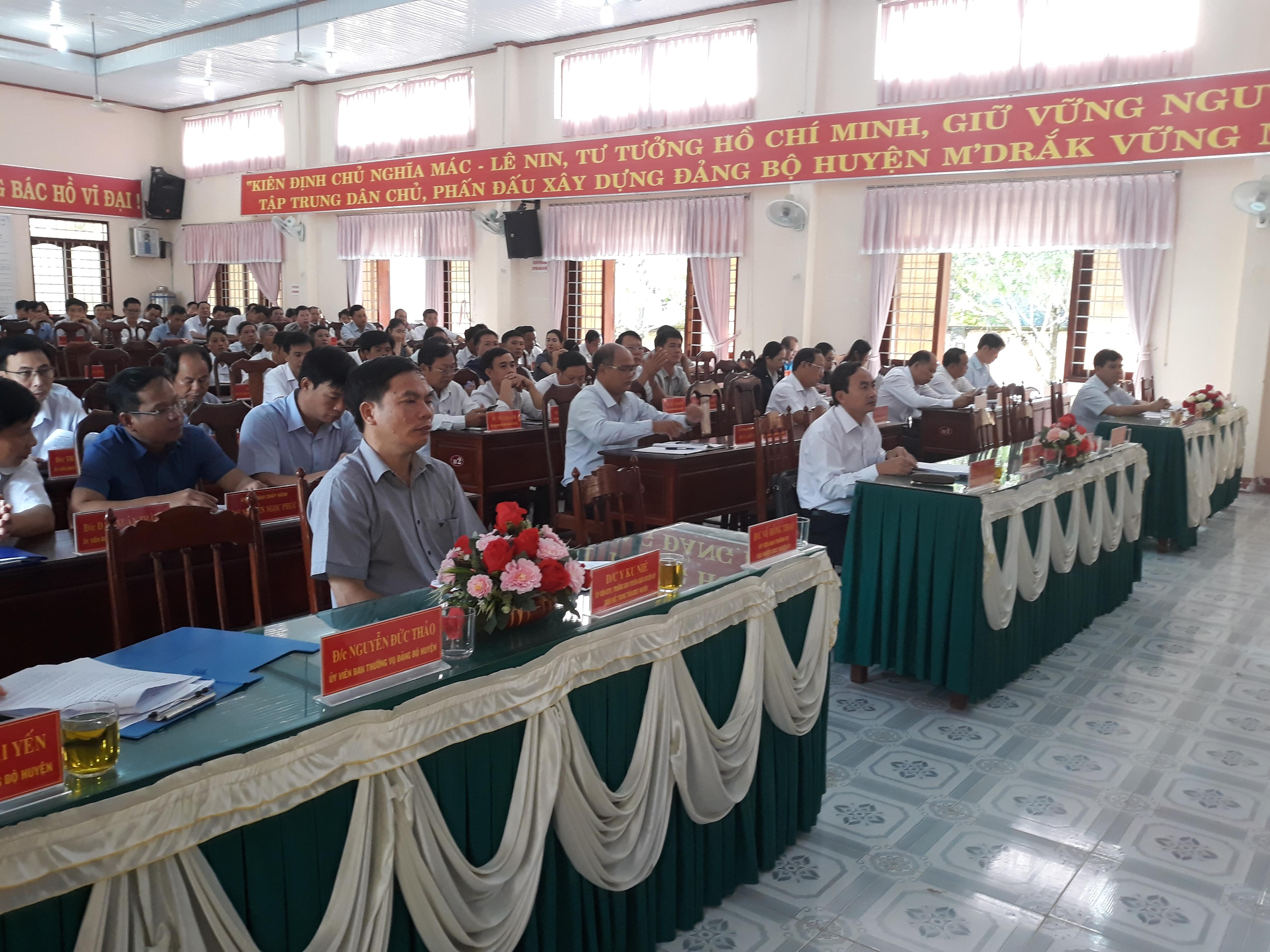 Quán triệt các văn bản của Trung ương, của Tỉnh ủy và của Huyện ủy đợt 2 năm 2020