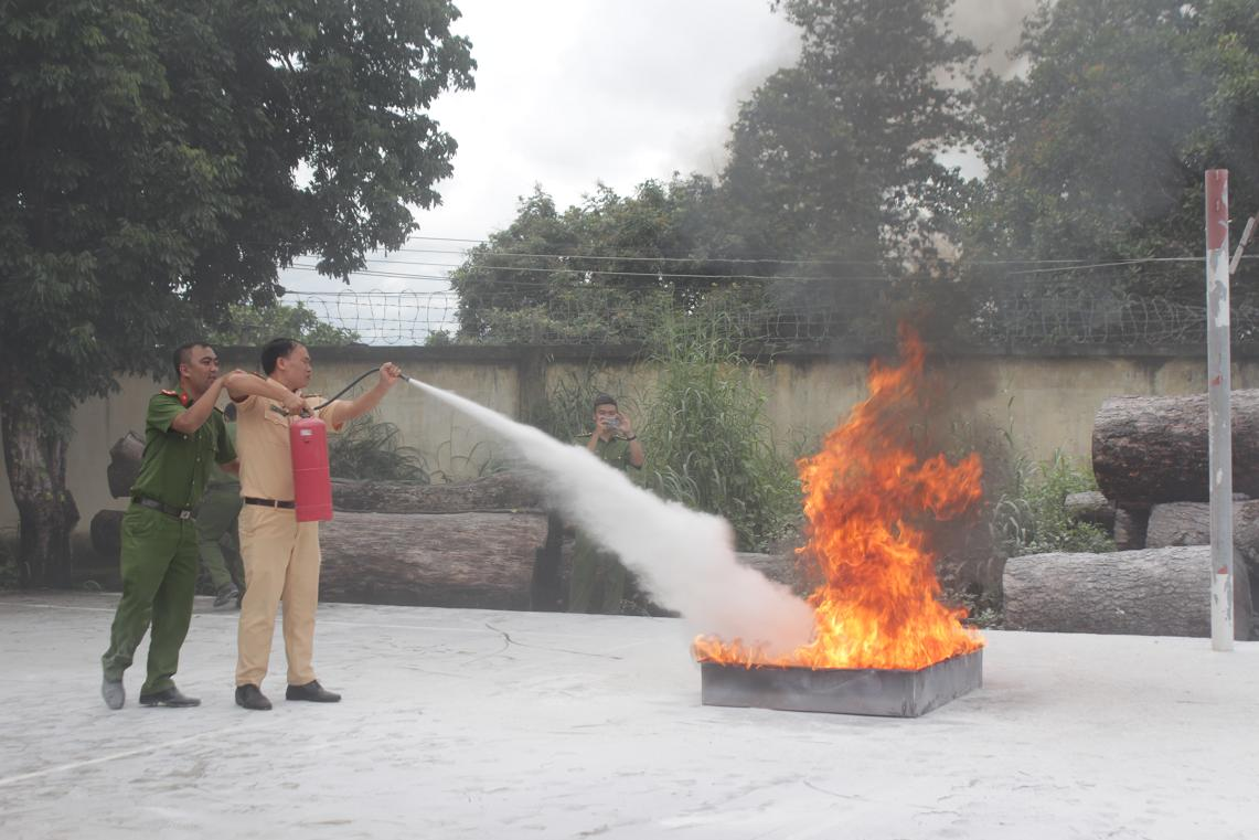 Tập huấn công tác phòng cháy, chữa cháy và cứu hộ cứu nạn
