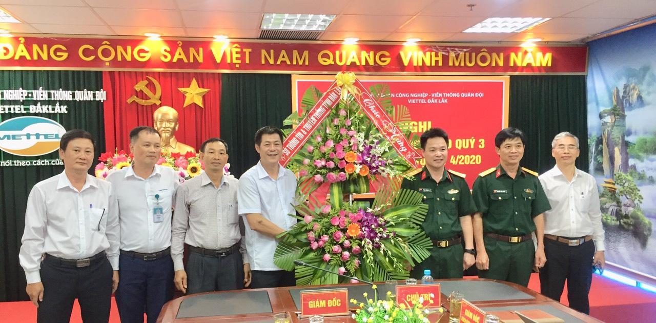 Sở Thông tin và Truyền thông chúc mừng Viettel Đắk Lắk nhân kỷ niệm 16 năm Ngày truyền thống