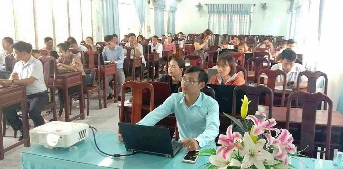 Tập huấn nâng cao năng lực ứng dụng công nghệ thông tin cho cán bộ công chức, viên chức trên địa bàn huyện M'Đrắk