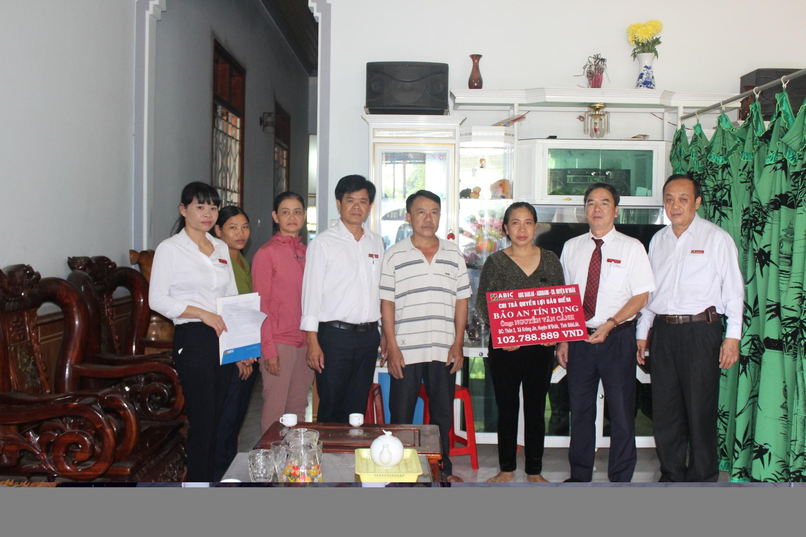 Chi trả bảo hiểm Bảo an tín dụng cho khách hàng tại huyện M'Đrắk