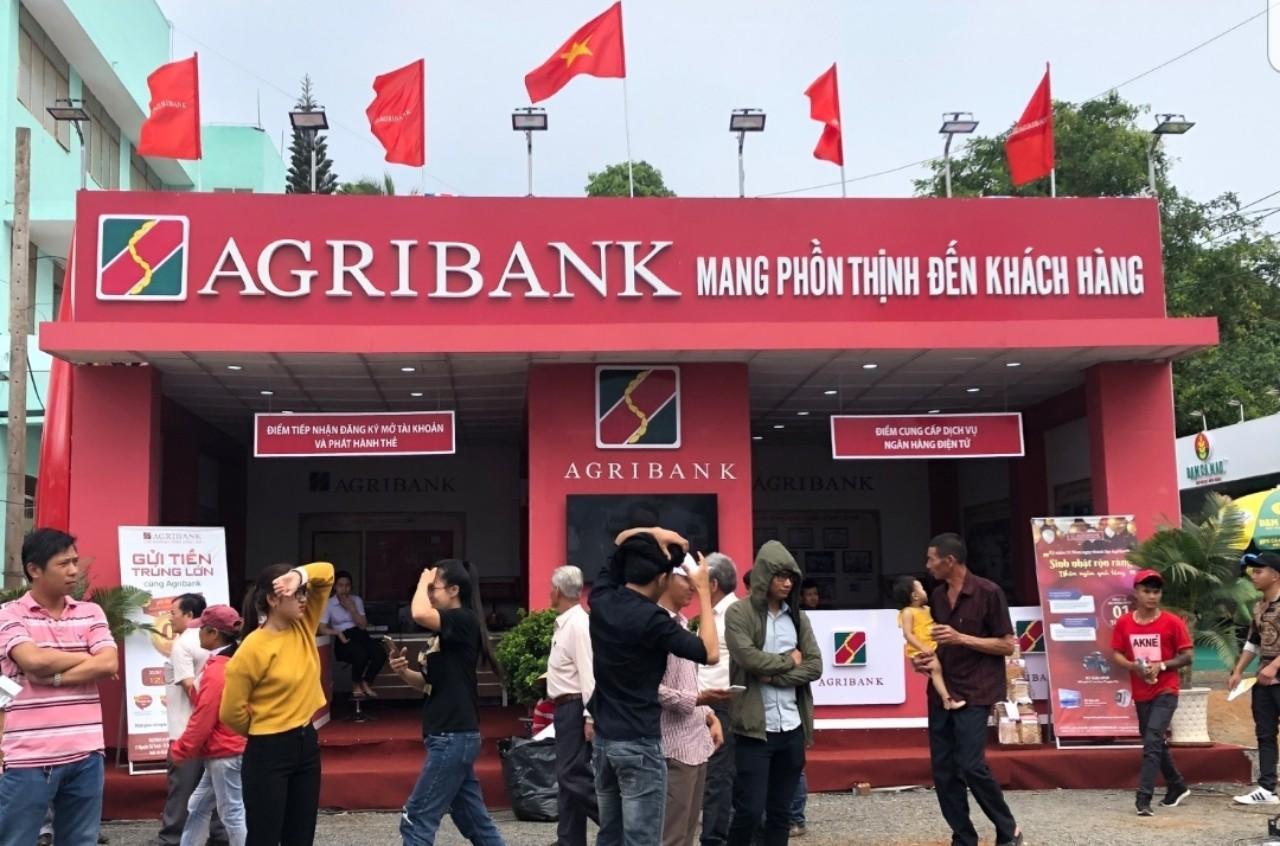 """Agribank tham gia tài trợ tại """"Festival sản phẩm vật tư nông nghiệp, thương mại toàn quốc năm 2020""""."""