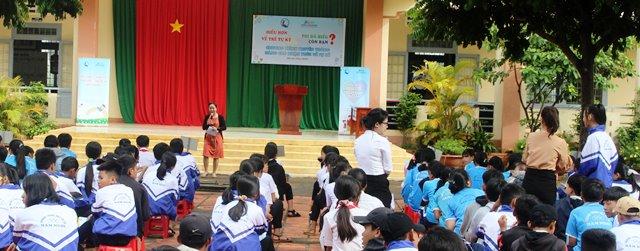 Truyền thông về hội chứng trẻ tự kỷ tại Trường Trung học cơ sở Hàm Nghi