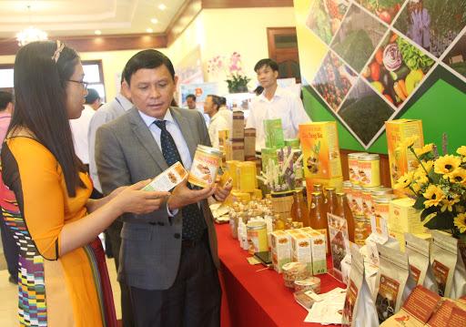 Thông báo Ý kiến kết luận của đồng chí Nguyễn Tuấn Hà - PCT Thường trực UBND tỉnh về việc chuẩn bị nội dung tổ chức Festival sản phẩm vật tư nông nghiệp, thương mại toàn quốc năm 2020 tại Đắk Lắk.