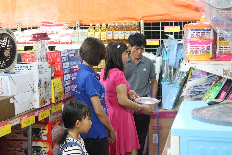 Điều chỉnh thời gian tổ chức ba phiên chợ hàng Việt trong năm 2020