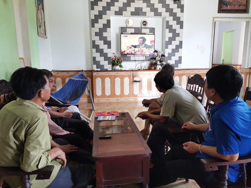 Các tầng lớp nhân dân huyện M'Đrắk hướng về Đại hội đại biểu Đảng bộ tỉnh lần thứ XVII, nhiệm kỳ 2020-2025