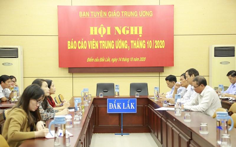 Hội nghị trực tuyến báo cáo viên Trung ương tháng 10