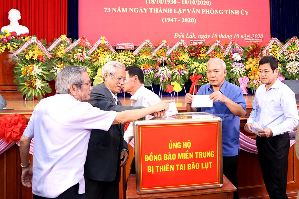 Gặp mặt nhân kỷ niệm 90 năm Ngày truyền thống Văn phòng cấp ủy, kỷ niệm 73 năm Văn phòng Tỉnh ủy Đắk Lắk