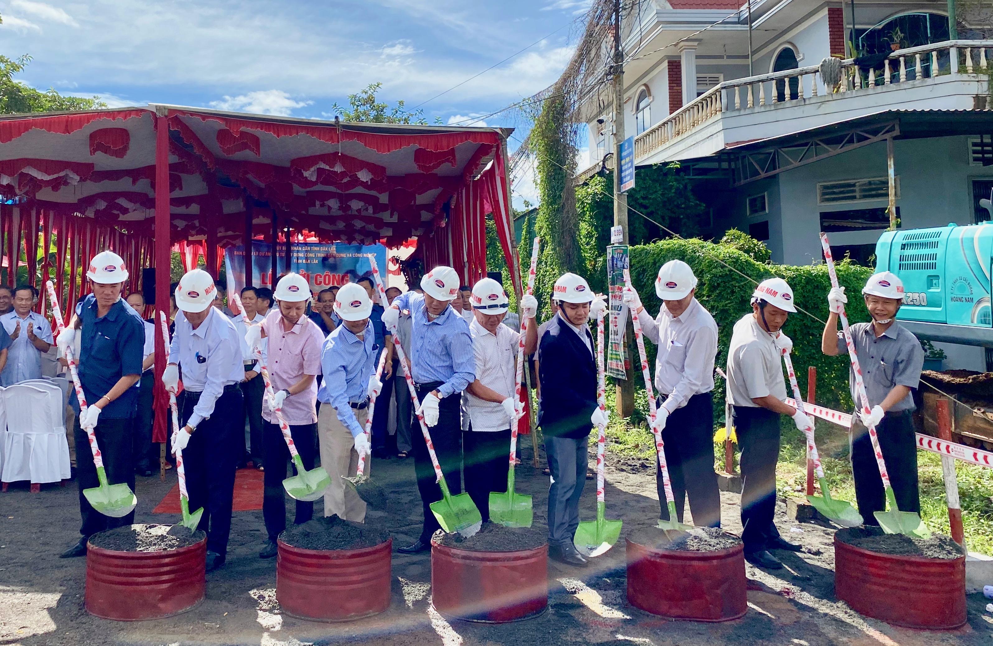 Khởi công dự án đường Hùng Vương (huyện Cư M'gar) nối dài
