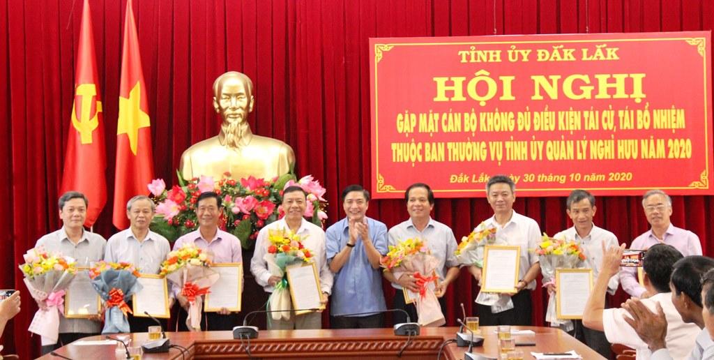Đắk Lắk gặp mặt 30 cán bộ không đủ tuổi tái cử, tái bổ nhiệm