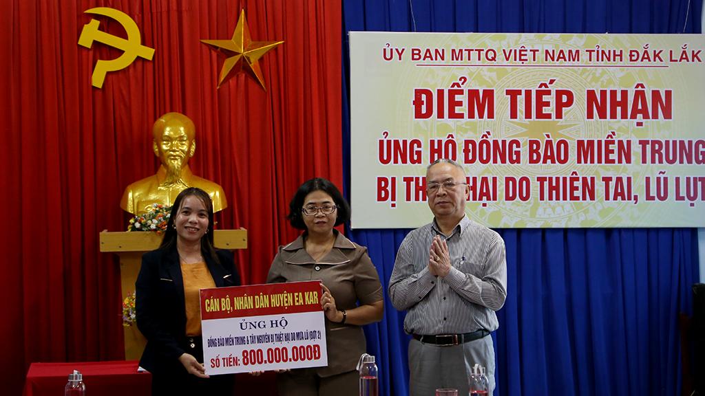 MTTQ Việt Nam tiếp nhận hơn 03 tỷ đồng ủng hộ đồng bào miền Trung