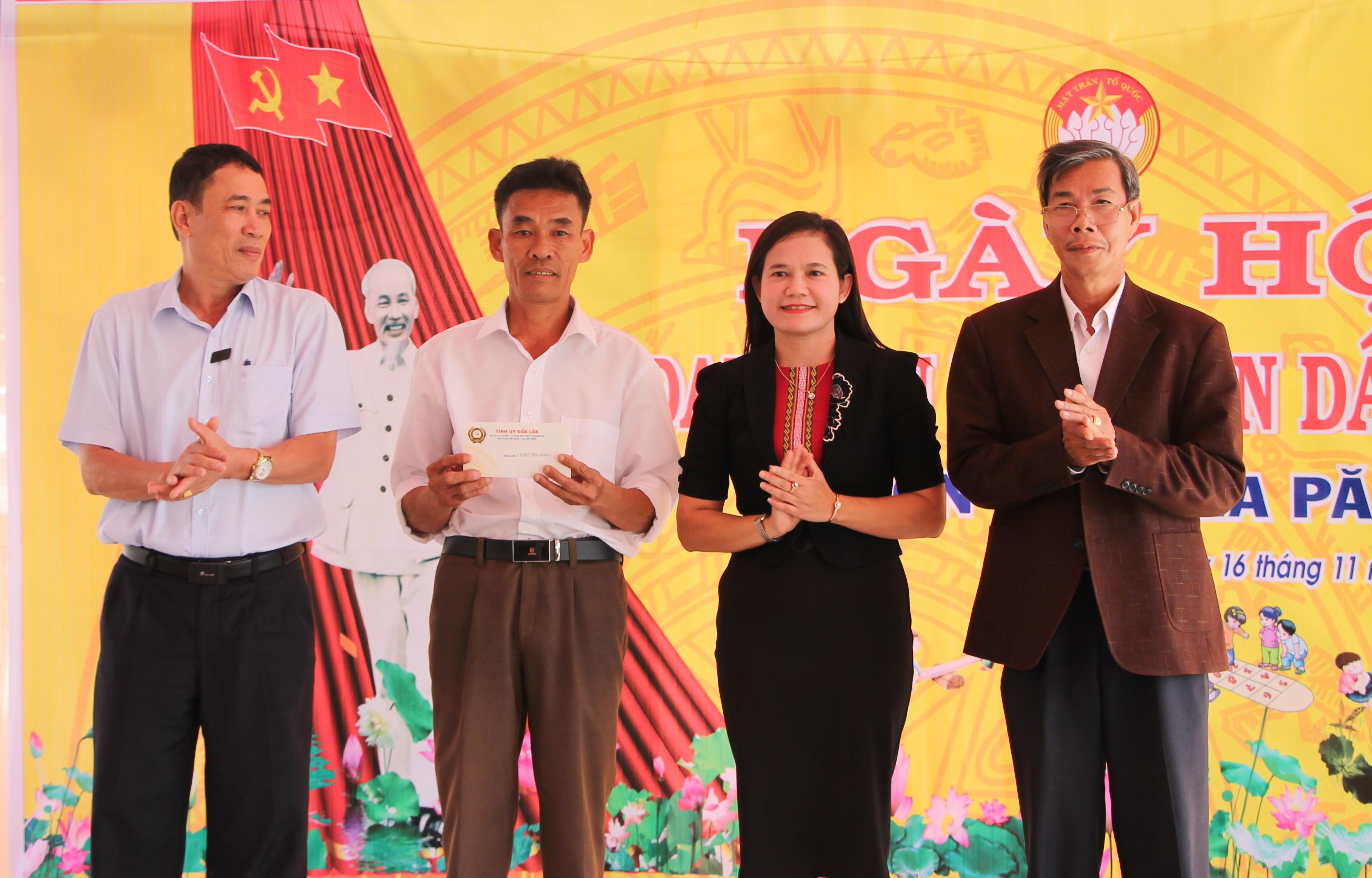 Ngày hội Đại đoàn kết toàn dân tộc thôn 9, xã Ea Păl