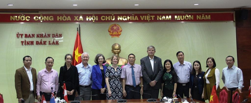 UBND tỉnh chào xã giao và làm việc với Đoàn công tác của Đại sứ các nước New Zealand, Canada, Thụy Sĩ, Na Uy