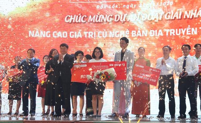 Thí sinh Lê Thị Thư (M'Đrắk) đạt giải Nhất tại Cuộc thi Khởi nghiệp, khởi sự kinh doanh tỉnh Đắk Lắk năm 2020