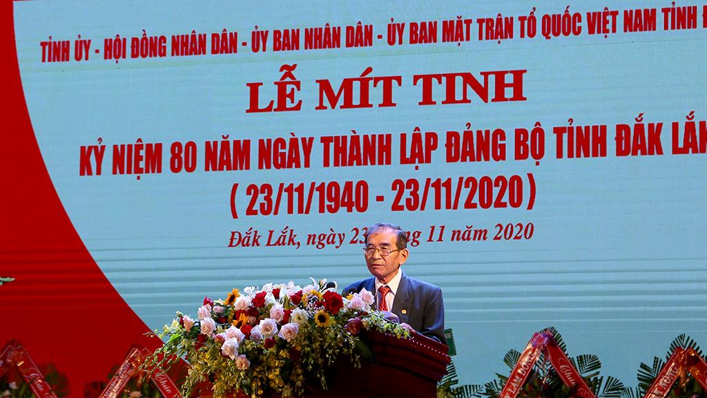 Đồng chí Nguyễn An Vinh nguyên Bí thư Tỉnh ủy phát biểu tại buổi lễ.