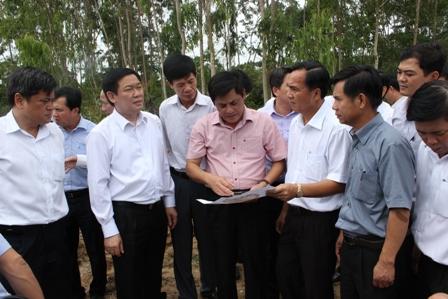 Đoàn công tác của Chính phủ khảo sát Đập Yên Ngựa huyện CưKuin