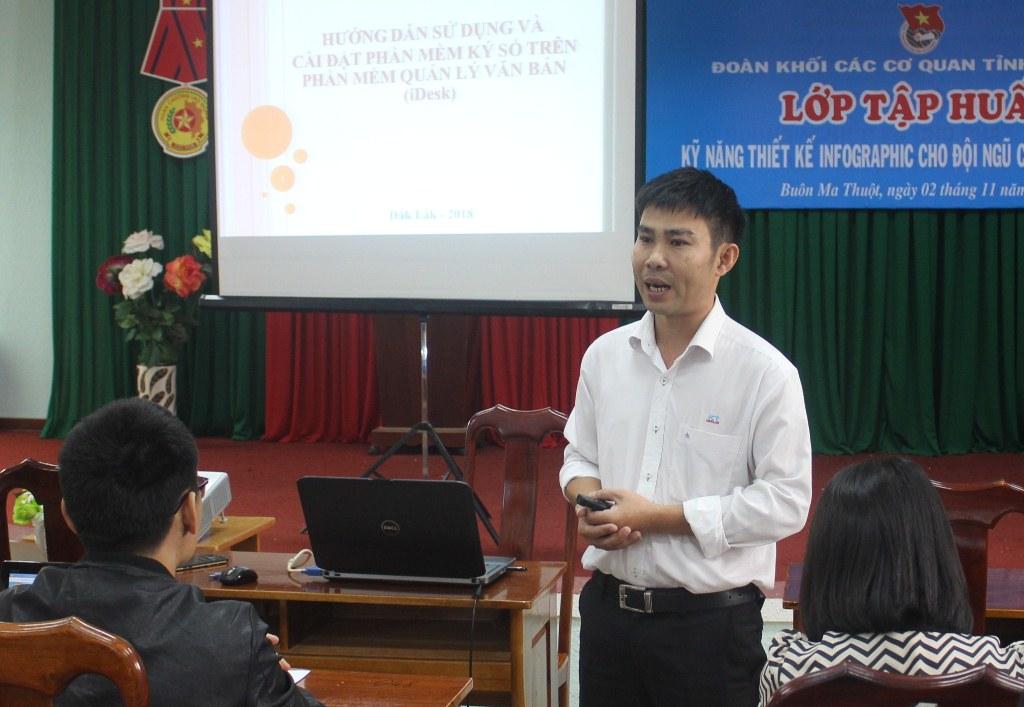 Tập huấn hướng dẫn sử dụng phần mềm quản lý văn bản và điều hành (iDesk), ký số văn bản điện tử huyện Krông Năng năm 2021