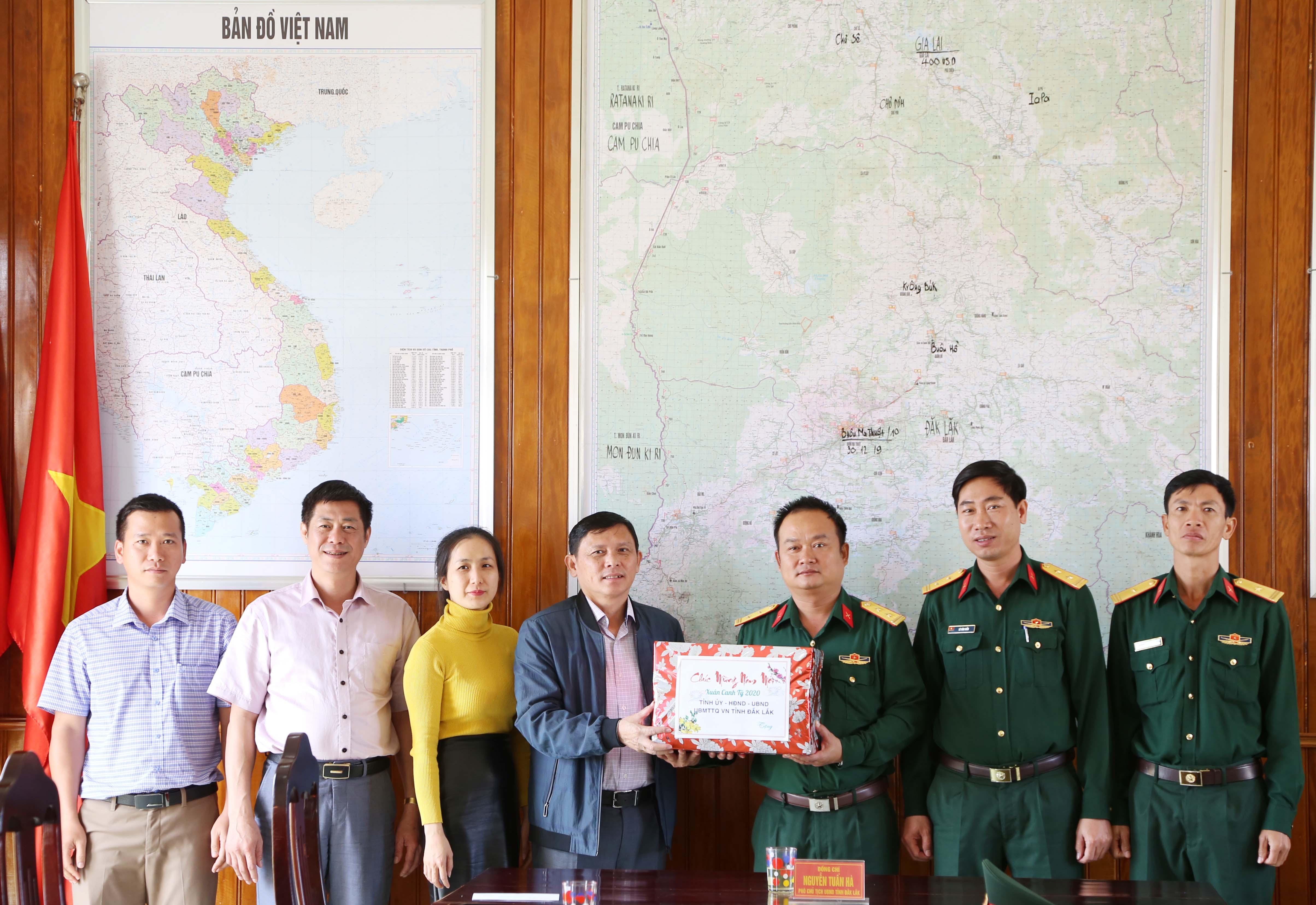 Đắk Lắk dành hơn 42 tỷ đồng thăm, tặng quà cá nhân, tập thể dịp Tết Tân Sửu