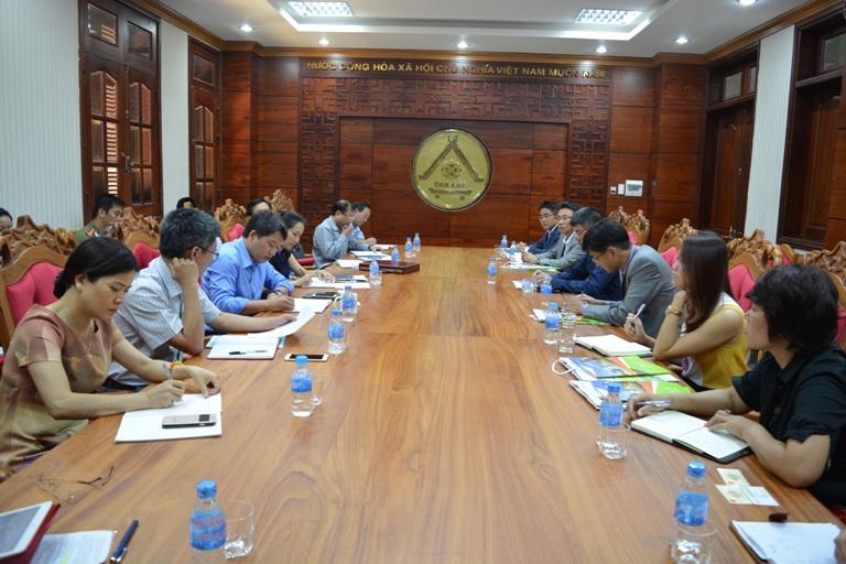 UBND tỉnh làm việc với nhà đầu tư về việc xây dựng nhà máy điện năng lượng mặt trời tại tỉnh.