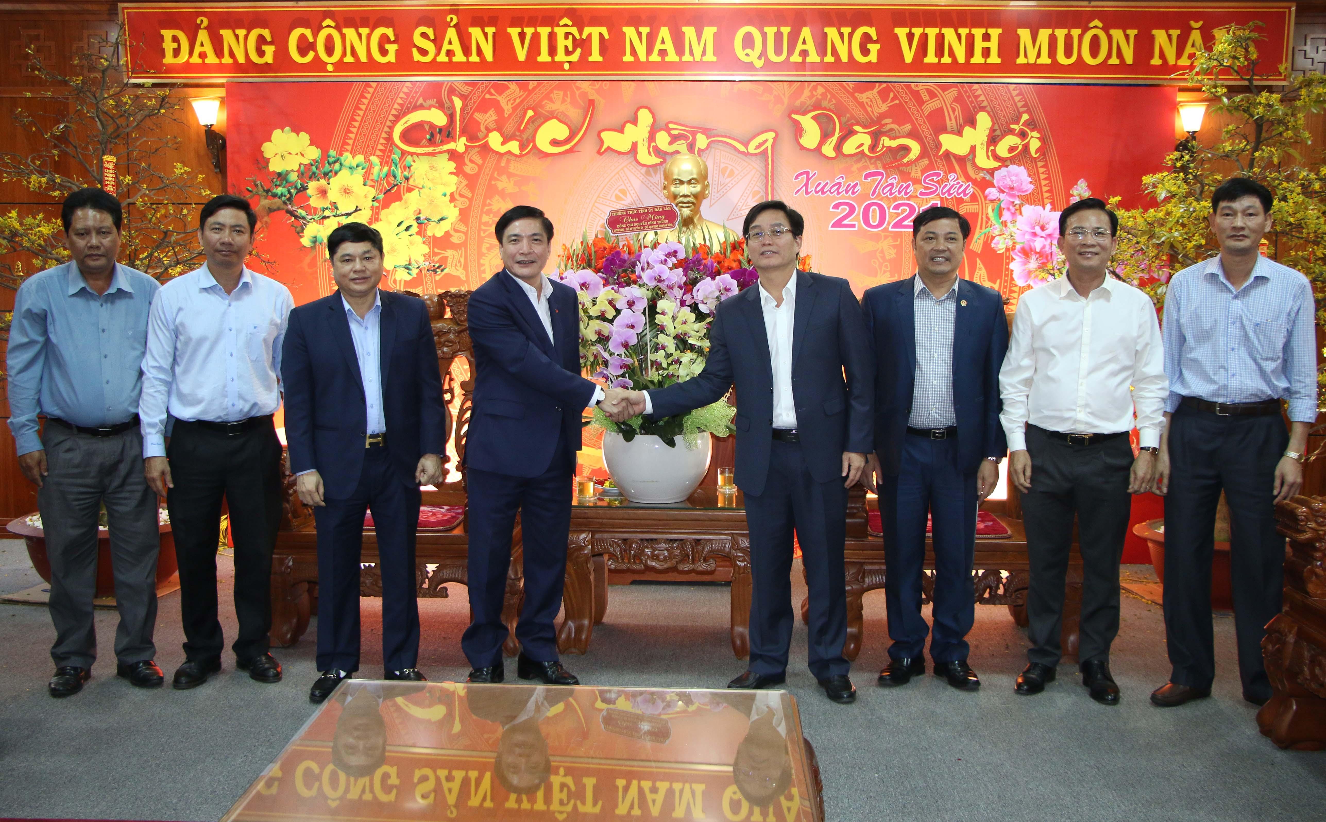 Đắk Lắk và Đắk Nông sẽ chú trọng phát triển giao thông, kết nối giao thương trong năm 2021