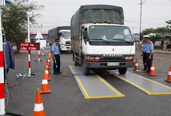 Đẩy mạnh thực hiện các giải pháp siết chặt quản lý kinh doanh vận tải và kiểm soát tải trọng phương tiện