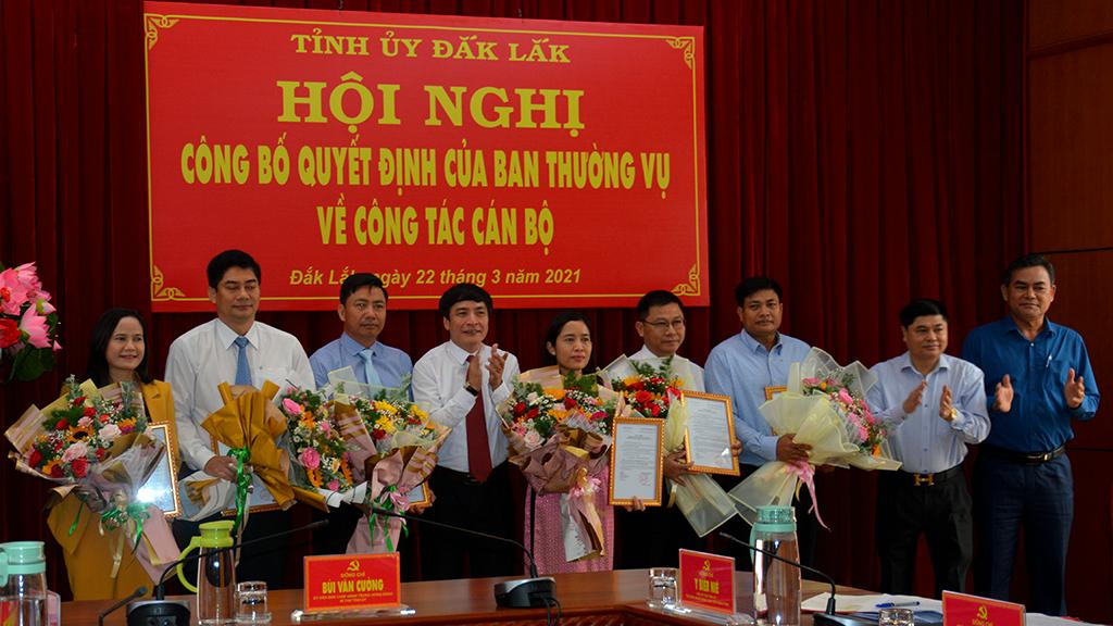 Công bố quyết định của Tỉnh ủy về công tác cán bộ
