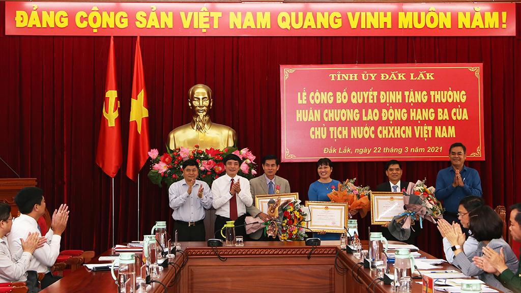 Lễ Công bố quyết định tặng thưởng Huân chương Lao động hạng Ba