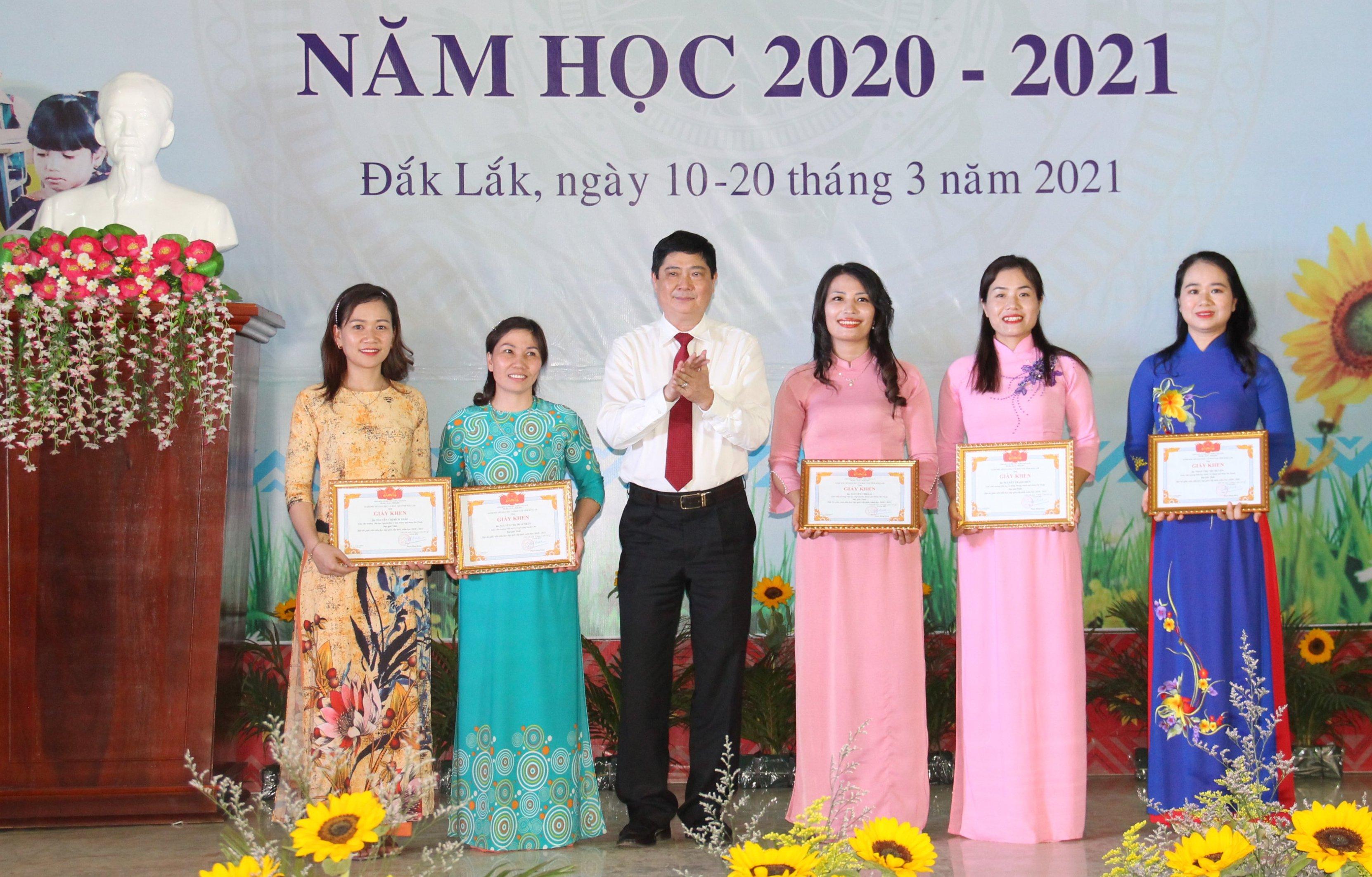 Bế mạc Hội thi giáo viên tiểu học dạy giỏi cấp tỉnh, năm học 2020 – 2021
