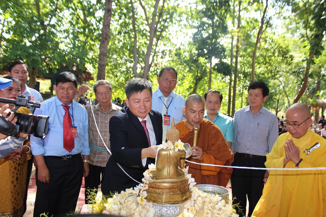 Buôn Đôn tổ chức tết Bunpimay cho người việt gốc Lào trên địa bàn huyện