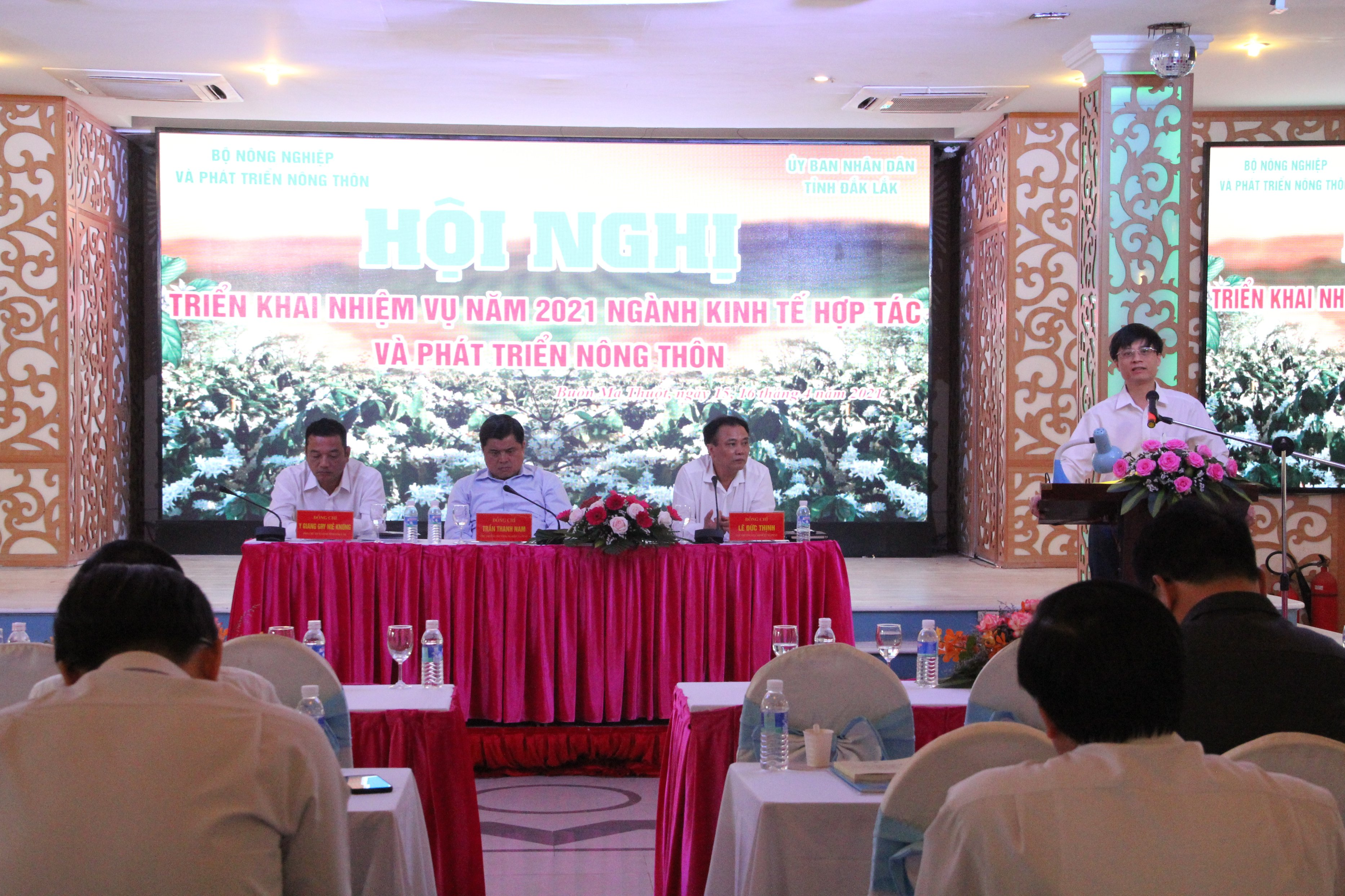Agricultural cooperatives need to link up and innovate to develop