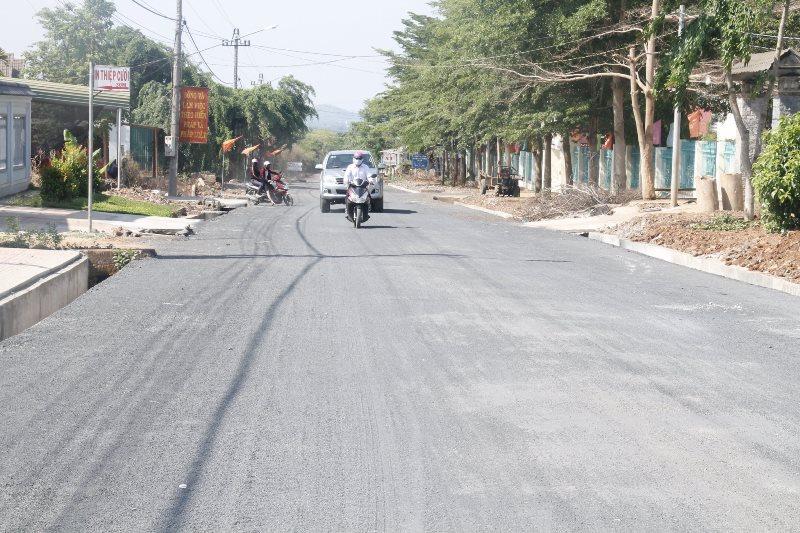 Trục đường chính của xã Dray Sáp