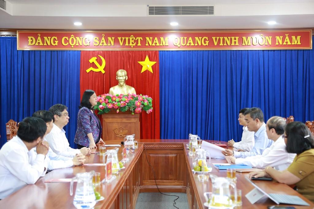 Trưởng Ban Dân vận Trung ương Bùi Thị Minh Hoài làm việc với Thường trực Tỉnh ủy