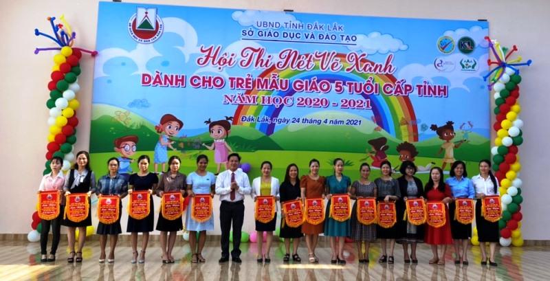 """229 trẻ mầm non tham gia Hội thi """"Nét vẽ xanh"""" năm 2021"""