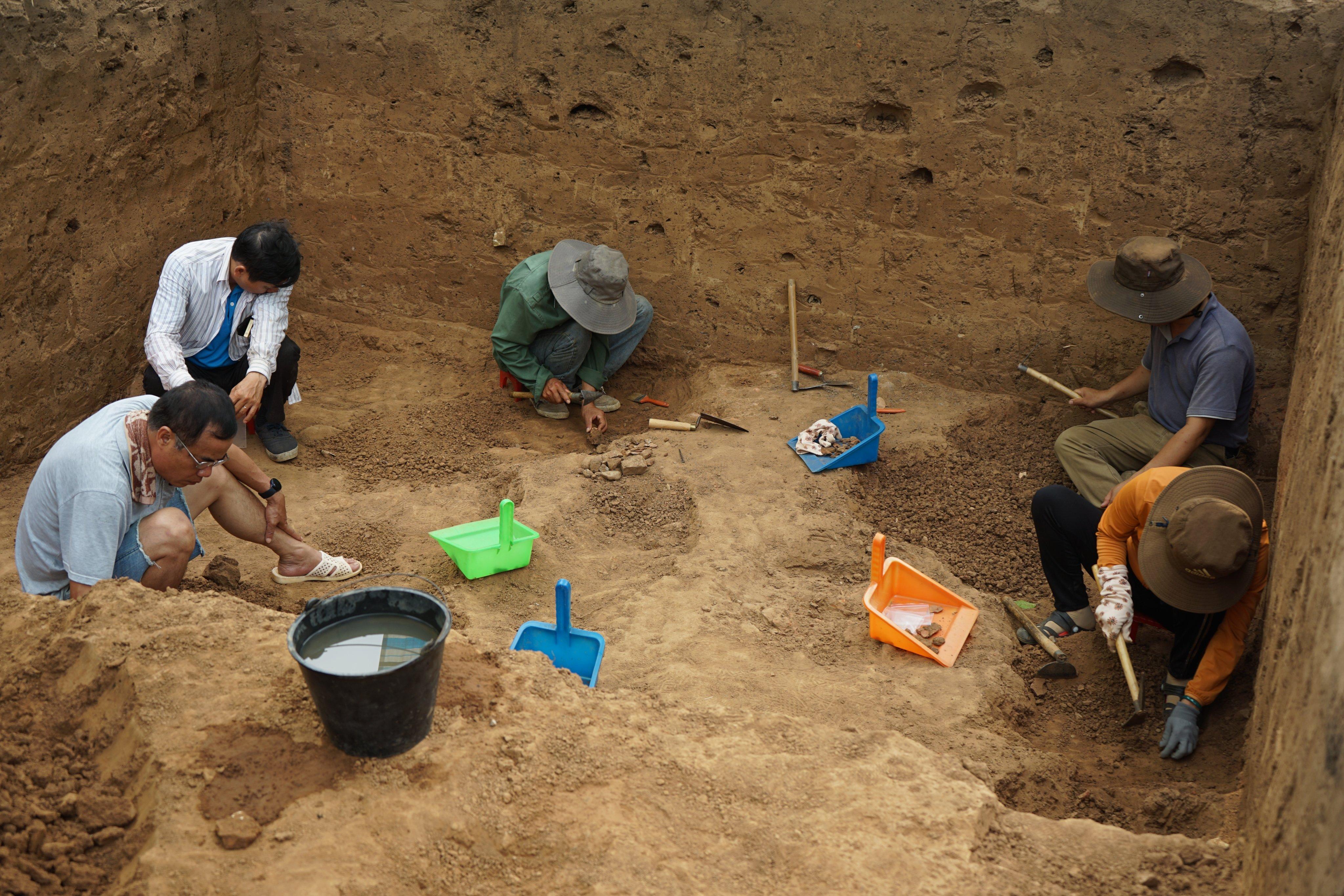 """Đắk Lắk  phát hiện di chỉ khảo cổ """"công xưởng chế tạo mũi khoan"""" hơn 3.000 năm"""