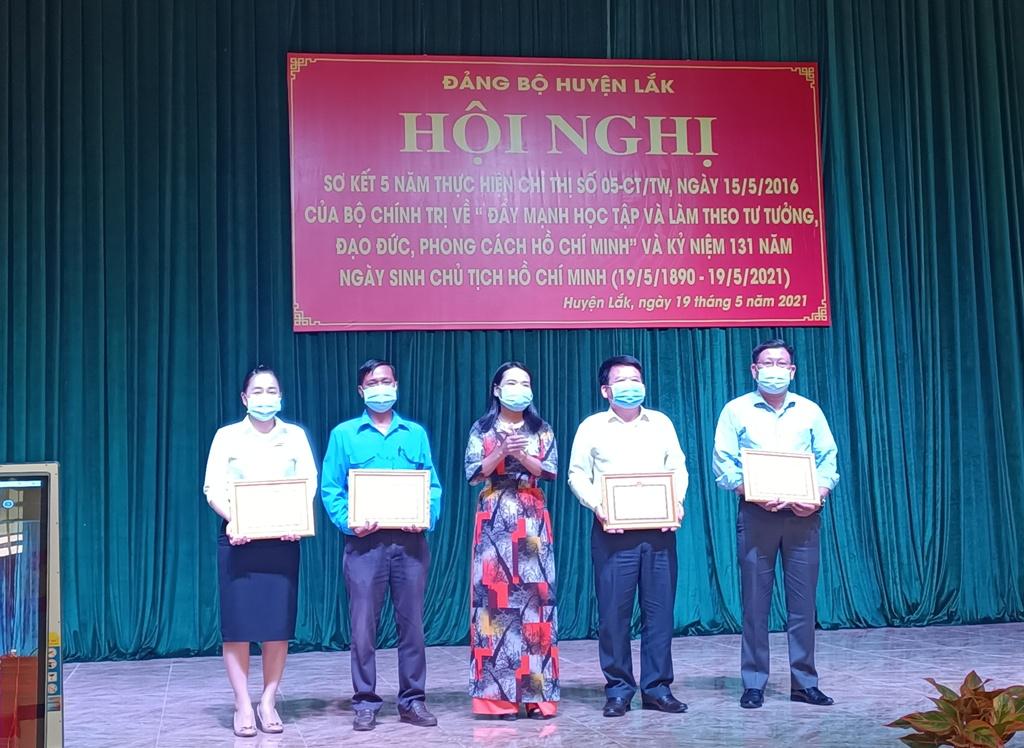 Sơ kết 5 năm thực hiện Chỉ thị số 05-CT/TW của Bộ Chính trị và tọa đàm kỷ niệm 131 năm Ngày sinh Chủ tịch Hồ Chí Minh