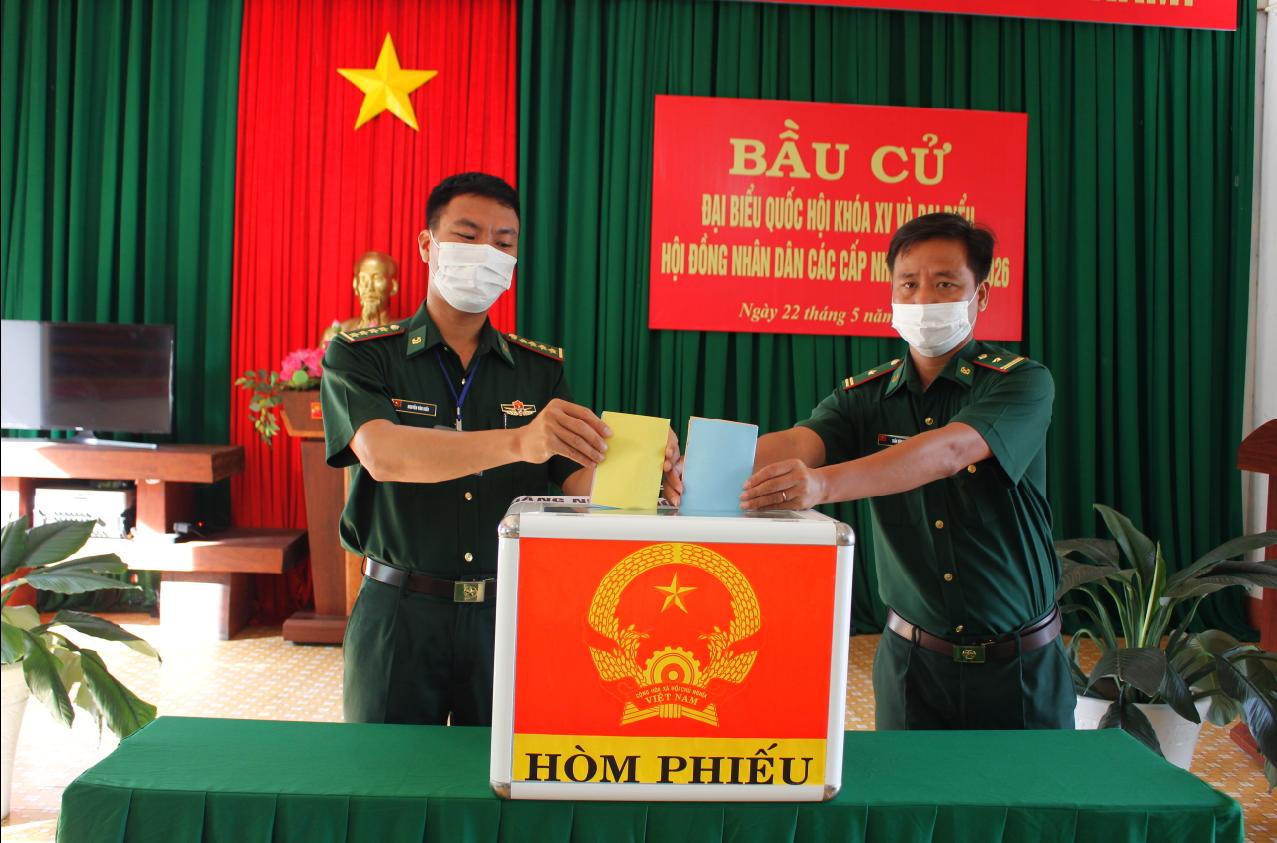 Bầu cử sớm tại Đồn Biên phòng Bo Heng