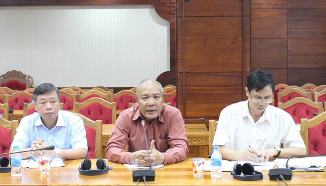 Đoàn đánh giá của Ngân hàng  Phát triển Châu Á làm việc với Ban quản lý Dự án hỗ trợ phát triển khu vực biên giới các tỉnh.