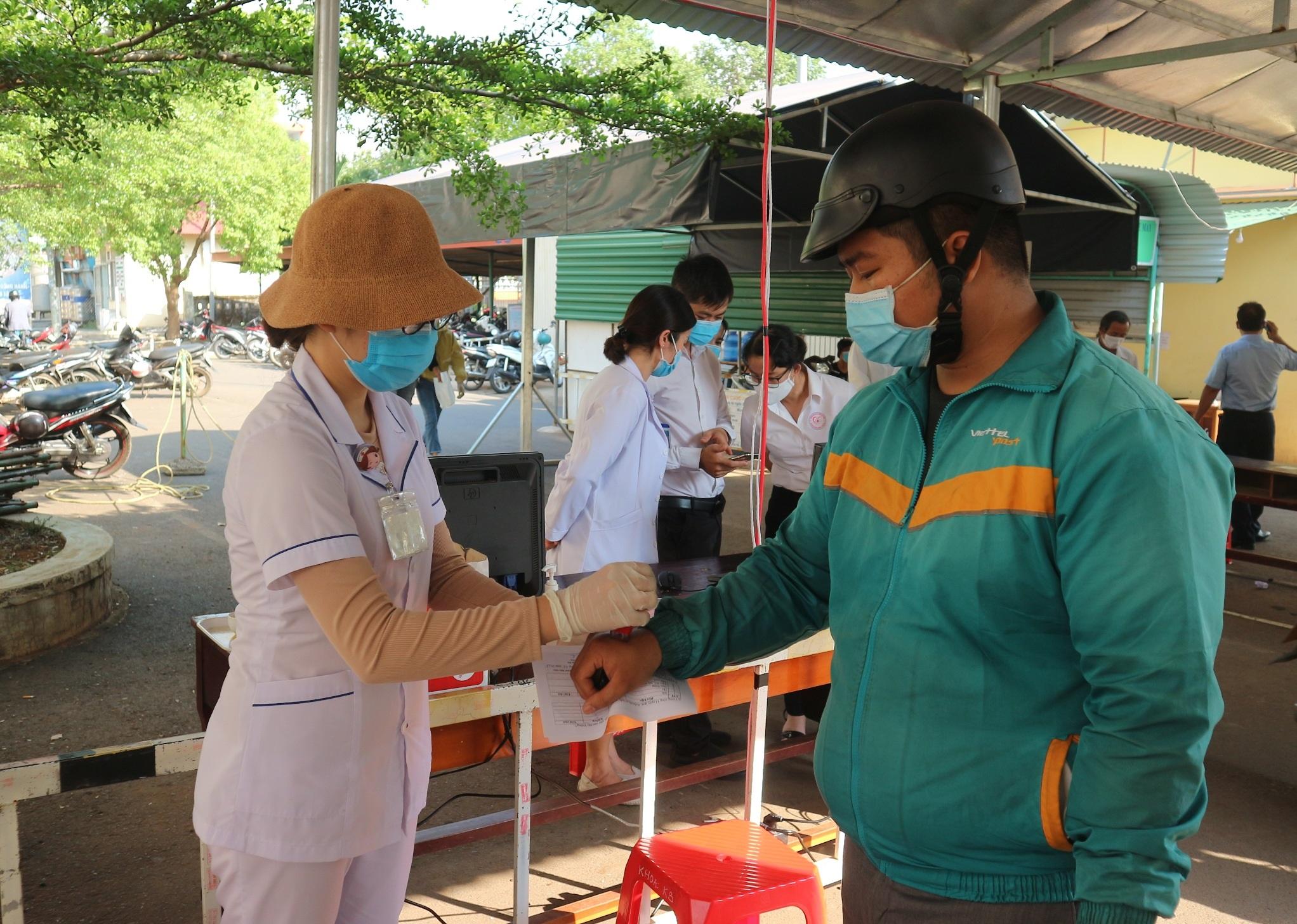 Nhiều biện pháp phòng chống dịch COVID-19 tại Bệnh viện Đa khoa TP. Buôn Ma Thuột