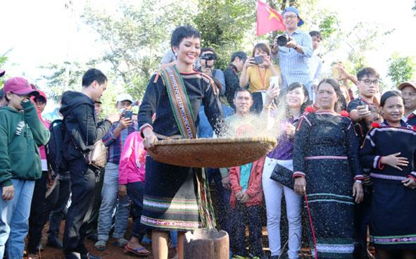 Phê duyệt Đề án tổ chức Ngày hội Văn hóa các dân tộc Đắk Lắk