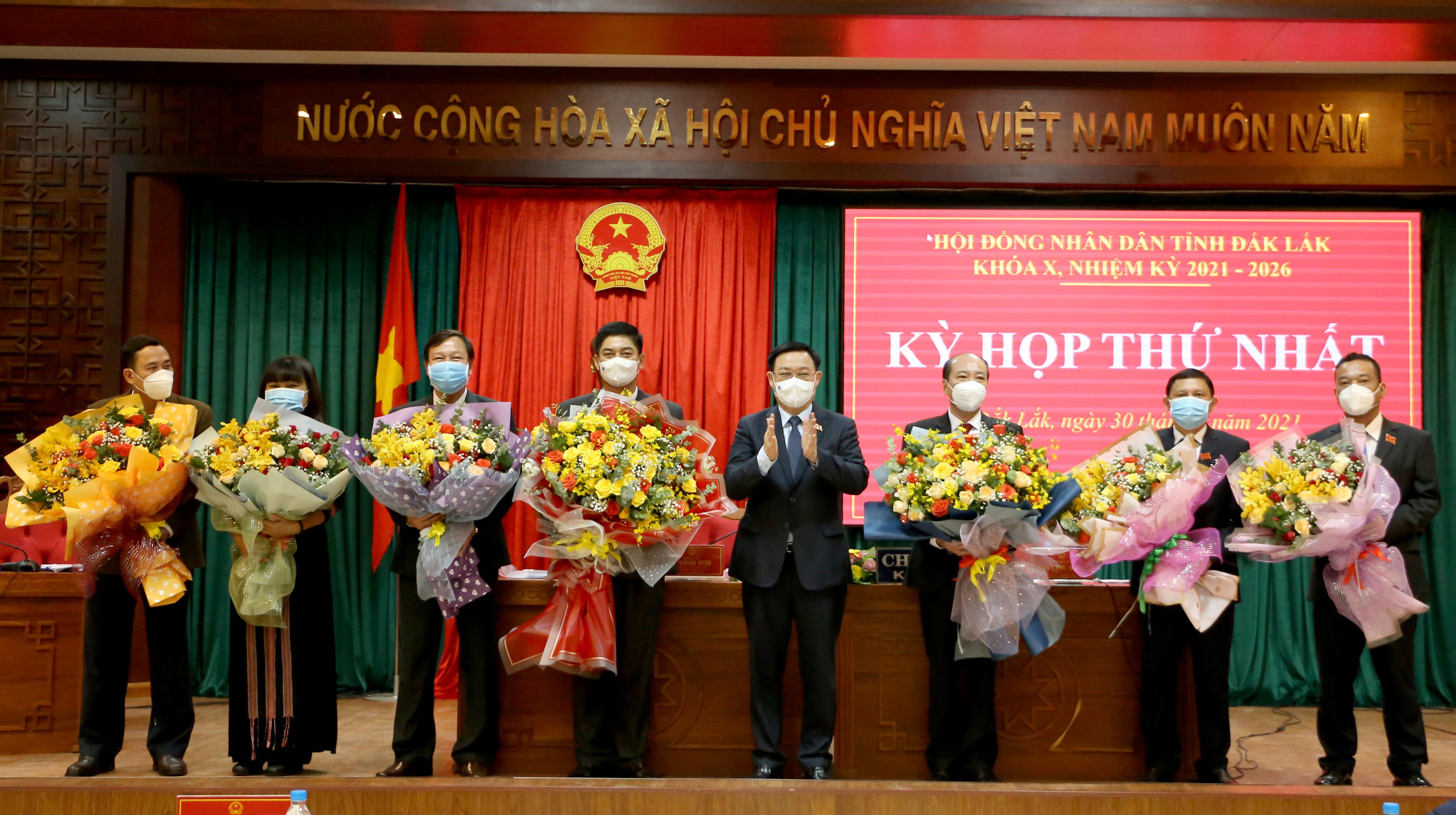 Kỳ họp thứ nhất, HĐND tỉnh Đắk Lắk: Tiến hành bầu các chức danh lãnh đạo chủ chốt của HĐND, UBND tỉnh khóa X