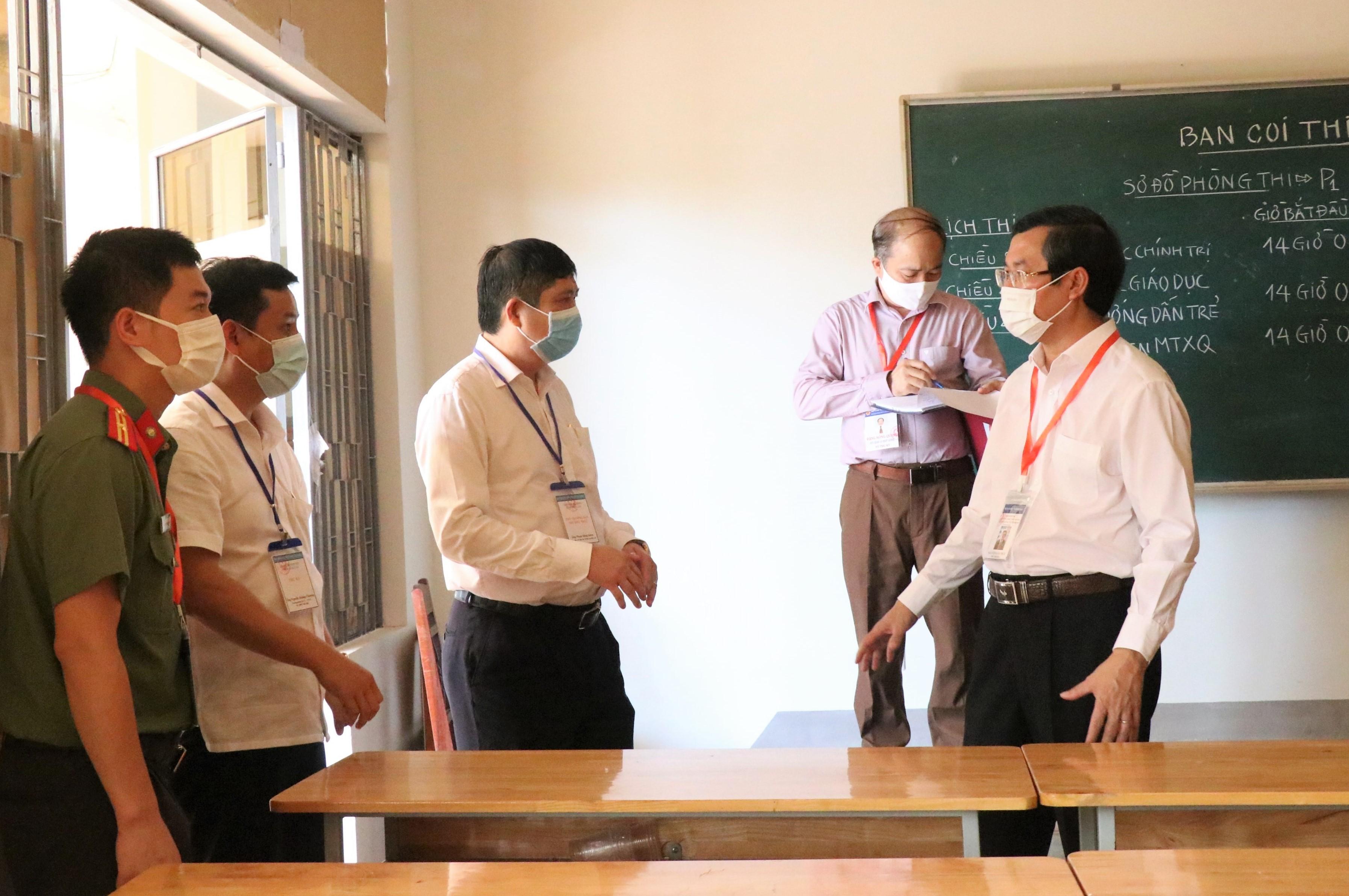 Bộ Giáo dục và Đào tạo kiểm tra công tác chuẩn bị thi tốt nghiệp THPT năm 2021 tại Đắk Lắk