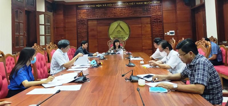 Họp giải quyết đề xuất của BHXH tỉnh về chính sách BHYT cho người thuộc khu vực I, II, III trên địa bàn tỉnh