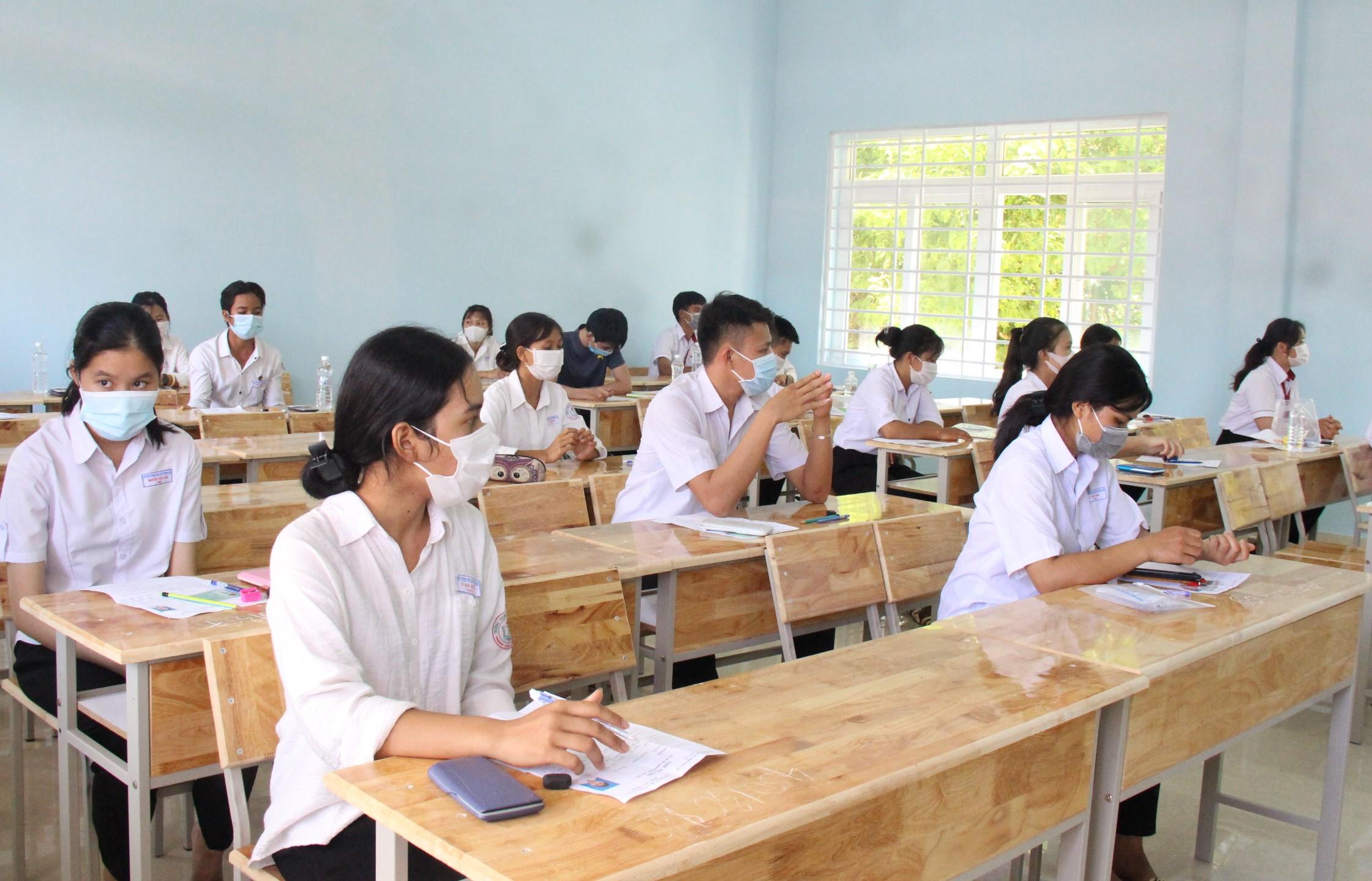 Thí sinh nhận định đề thi Toán tốt nghiệp THPT năm 2021 vừa sức