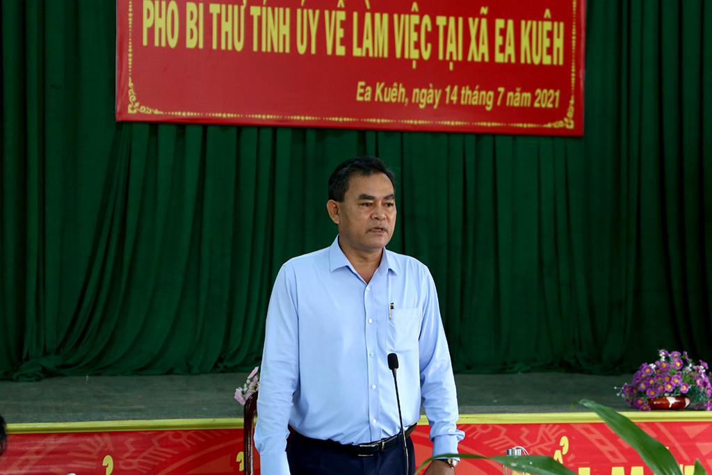 Đoàn công tác của Thường trực Tỉnh ủy làm việc tại xã Ea Kuêh, huyện Cư M'gar