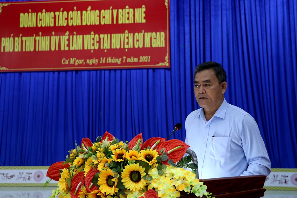 Đoàn công tác của Phó Bí thư Tỉnh ủy Y Biêr Niê làm việc với Huyện ủy Cư M'gar