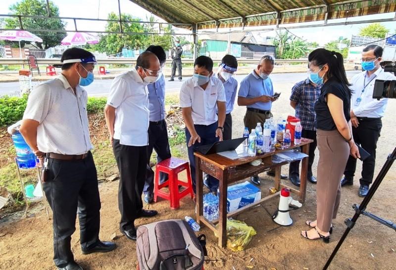Chủ tịch UBND tỉnh Phạm Ngọc Nghị kiểm tra công tác phòng, chống dịch Covid-19