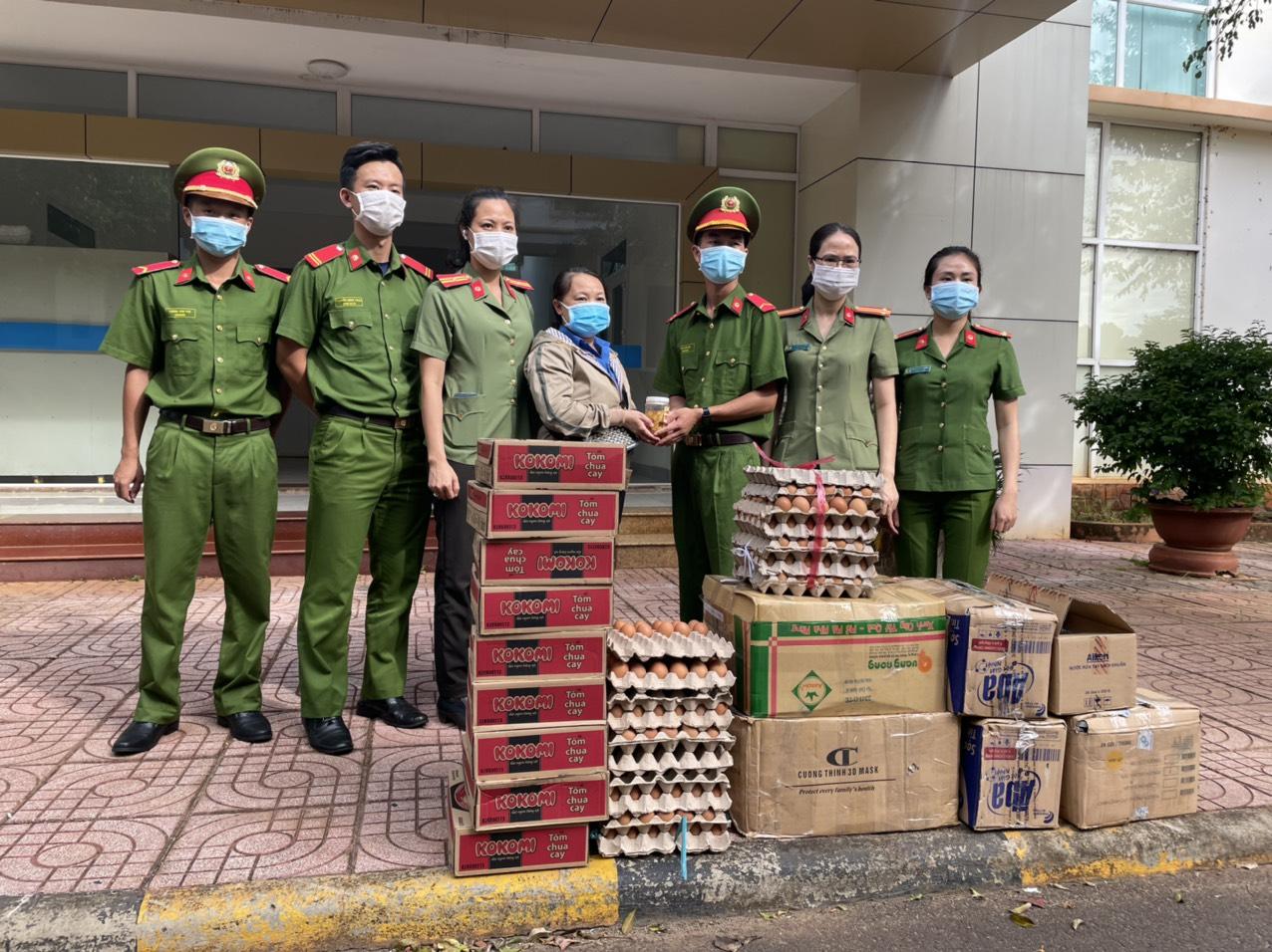 Đắk Lắk gom rau xanh, lương thực gửi tặng Thành phố Hồ Chí Minh chống dịch Covid-19